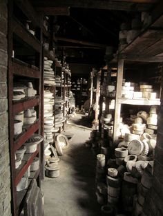 The old store's Spode, Stoke on Trent, England. A pottery museum in England Pottery Kiln, Old Pottery, Ceramic Pottery, Pottery Workshop, Pottery Studio, English Pottery, Strange Places, Herefordshire, Wolverhampton
