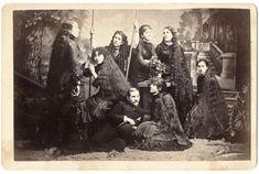 Intrinseco y expectorante: La historia de las hermanas Sutherland: Una vida por los pelos