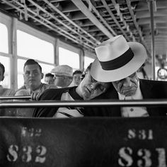 Vivian Maier - April 7, 1960. Florida VM1960W03443-04-MC, courtesy of Maloof Collection, LTD