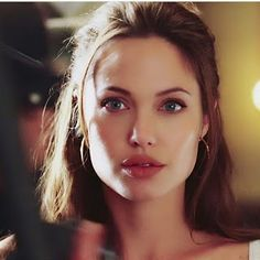 Angelina Jolie Fotos, Angelina Jolie Makeup, Angelina Joile, Angelina Jolie Style, Angelina Jolie Maleficent, Icon Girl, Beautiful Celebrities, Mannequins, Hollywood Actresses