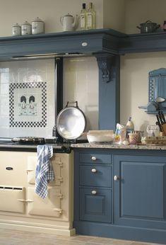 23 best ideas for kitchen design blue house Aga Kitchen, Country Kitchen, Kitchen Cabinets, Kitchen Interior, Kitchen Design, Dark Blue Kitchens, Classical Kitchen, Sweet Home, Miniature Kitchen