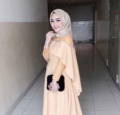 Kebaya Hijab, Kebaya Dress, Kebaya Muslim, Muslim Dress, Hijab Dress Party, Hijab Style Dress, Casual Hijab Outfit, Dress Outfits, Ootd Hijab