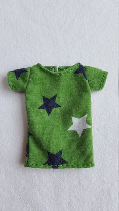 Cute green starry T-shirt for Isul doll. Shirt has been hand stitched by myself & is all ready to ship. Hand Stitching, Dolls, Green, Cute, Sweaters, T Shirt, Clothes, Fashion, Baby Dolls