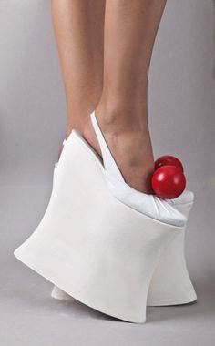 ゝ。The Red Balls really makes the Shoes.。