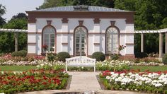 Frankfurt, Gazebo, Pergola, Sidewalk, Outdoor Structures, Mansions, House Styles, Motto, Trends