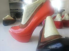 How top quality shoes are made the sculpture is tested before the french kiss with the heels @Chocco Designers