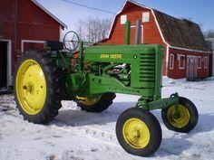 1940 John Deere Model AW Tractor  http://oldtractorpictures.com/JohnDeere/
