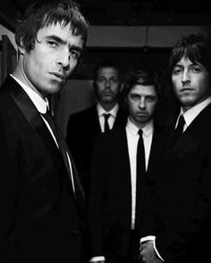 See Oasis pictures, photo shoots, and listen online to the latest music. Lennon Gallagher, Liam Gallagher Oasis, Noel Gallagher, Oasis Music, Liam And Noel, Oasis Band, Band Photography, Sibling Rivalry, Instagram Music