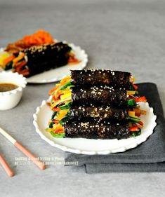 중독성 최고! 김밥 맛있게 싸는법, 마약김밥 겨자소스 만들기(+영상) : 네이버 블로그 K Food, Food Menu, Easy Cooking, Cooking Recipes, Vegan Clean, Cold Meals, Food Plating, Spicy Recipes, Food Presentation