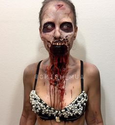 Zombie makeup look for halloween ♡ Zombie Makeup, Scary Makeup, Sfx Makeup, Costume Makeup, Makeup Art, Makeup Looks, Makeup Ideas, Prom Makeup, Eyebrow Makeup
