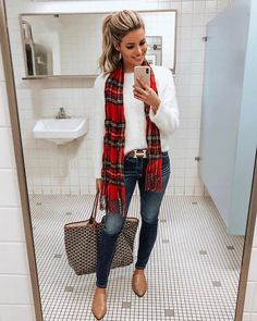 Festa Junina 2019 – 23 Looks para Copiar Já The month of the June party is here! But hit that doubt what to wear? Check out these plaid looks to get inspired and copy now! Via www.achotendencia … june party, looks, checkered, skirt, shirt party Casual Winter Outfits, Fall Fashion Outfits, Casual Fall Outfits, Mode Outfits, Look Fashion, Spring Outfits, Casual Attire, Winter Scarf Outfit, Casual Fall Fashion