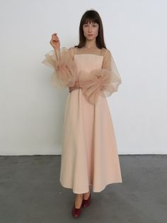 A fitted at waist crepe black dress with organza puffed sleeves. Rosa Style, Rejina Pyo, Romantic Look, Pink Fashion, Women's Fashion, Western Wear, Pretty Dresses, What To Wear, Dress Up