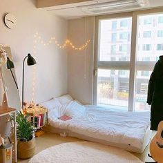 The Best 2019 Interior Design Trends - Interior Design Ideas Small Room Bedroom, Home Bedroom, Bedrooms, Small Bedroom Designs, Bedroom Ideas, Diy Casa, Decoration Bedroom, Aesthetic Room Decor, Minimalist Room