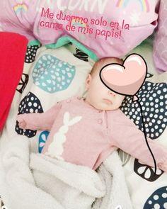 Ni la tormenta que está cayendo la despierta... Y es que no se que tendrá la cama de los papis que es el único sitio donde duerme sin ser la teta  #picoftheday #instapic #bebe #baby #maternidad #postparto #instababy #mama #girl #instamum #mumlife #newborn #blogger #mommyworld #maternityshoot #love #like4like #followme #happiness #babyphotography #babylove #pregnant #embarazada #maternity #lactanciamaterna #lme #amorverdadero #colechofeliz #colecho
