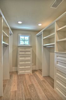What size or room dimensions do you need for a closet this size - Houzz