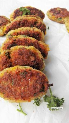 veganske frikadeller med linser Greek Recipes, Vegan Recipes Easy, Veggie Recipes, Vegetarian Recipes, Simple Recipes, Food For Less, Food Inspiration, Breakfast Recipes, Food And Drink