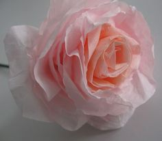 Ideas for diy paper flowers easy rose tutorial coffee filters How To Make Paper Flowers, Paper Flowers Diy, Handmade Flowers, Flower Crafts, Diy Paper, Fabric Flowers, Tissue Paper, Fabric Paper, Crepe Paper