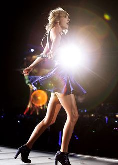 1989 world tour | Taylor Swift performing at Rock In Rio in Las Vegas, Nevada.