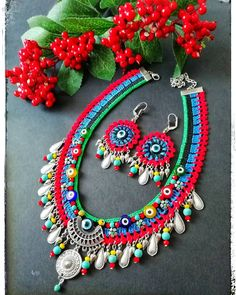 Image may contain: jewelry I needed to show you steps to make a bracelet with natural stone and leather thread … Weird Jewelry, Expensive Jewelry, Pendant Jewelry, Beaded Jewelry, Handmade Jewelry, Diy Necklace, Crochet Necklace, Neon Bracelets, Leather Thread