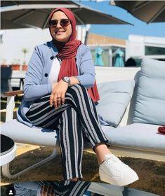 How to wear sunnies with hijab – Just Trendy Girls Hijab Wear, Hijab Outfit, Hijab Fashion Summer, Fashion Outfits, Casual Day Outfits, Hijab Style Tutorial, Hijab Trends, Scarf Styles, Hijab Styles