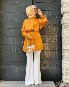 Stylish Hijab, Modest Fashion Hijab, Street Hijab Fashion, Modesty Fashion, Girls Fashion Clothes, Fashion Outfits, Fashion Ideas, Moslem Fashion, Muslim Women Fashion