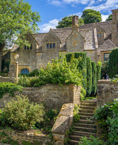 country home. Snowshill Manor, Cotswolds. photography by Bobrad (flickr).