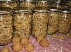 Preserving walnuts in glass Dog Food Recipes, Vegan Recipes, Dessert Recipes, Cooking Recipes, Czech Recipes, Salty Foods, Meals In A Jar, Food 52, Sweet Desserts