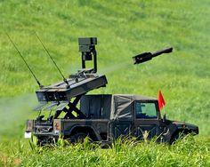 中距離多目的誘導 誘導弾及び発射装置  ○誘導弾  [全備重量]3.9t  [全長]4.8m  [全幅]2.2m  [全高]2.0m  [開発,製造]川崎重工業    着上陸侵攻や離島侵攻対処をはじめとする新たな脅威、多様な事態に対して優れた機動性、即応性をもって対処することができる