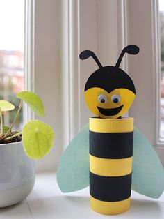Bij knutselen - 5 Super leuke bijtjes om te knutselen in het thema lente.