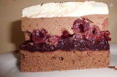 Višňové rezy - Schwarzwälder-Kirschschnitte Czech Recipes, Cherry Cake, Dessert Recipes, Desserts, Nutella, Cheesecake, Food And Drink, Cooking Recipes, Yummy Food