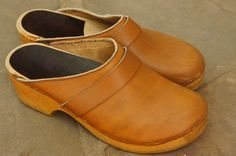 Vintage 70s Swedish Tan Leather Clogs by SycamoreVintage on Etsy