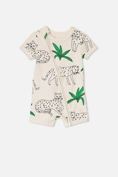 Mini short sleeve zip through all in one apparel-baby детска Baby Boy Fashion, Toddler Fashion, Kids Fashion, Kids Room Art, Art Kids, Baby Illustration, Illustrations, Animal Print Outfits, Kids Wardrobe