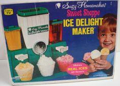 TOPPER: 1968 Suzy Homemaker Sweet Shoppe Ice Delight Maker