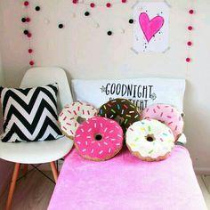 Blog da Renata Princess : Como customizar almofadas fofas para decorar o seu...
