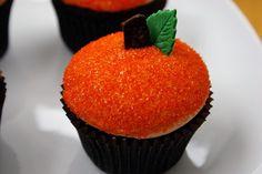 pumpkin cupcakes--Fall dessert