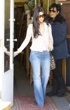 Kourtney Kardashian… love the outfit and her hair. Can't wait until mine is long again!