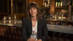 Kate Moennig of Ray Donovan answers questions from fans.