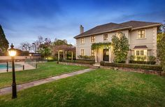 32A Hopetoun Road, Toorak 3142