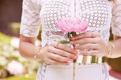 Delicadeza e feminilidade são as inspirações maiores para a Coleção Into the Garden, perfeita para a primavera.
