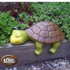 Concrete Crafts, Concrete Art, Concrete Garden, Ceramic Pottery, Ceramic Art, Ceramic Turtle, Pottery Animals, Clay Animals, Wooden Wall Art