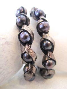 Black pearl earrings Spinelli/Kilcollin
