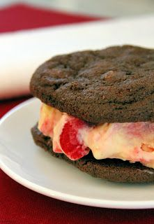 Jo and Sue: Easy Black Forest Ice Cream Sandwiches Sandwich Ingredients, Double Chocolate Cookies, French Vanilla, Vanilla Ice Cream, Black Forest, Freezer Meals, Sorbet, Popsicles, Sandwiches