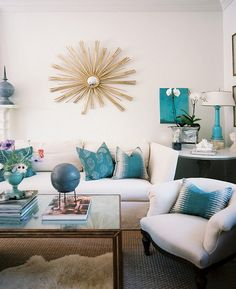 Turquoise Room Ideas - Turquoise it can be strong and also solid, it's likewise calming and relaxing.Here are of the very best turquoise room interior design ideas. Living Room Photos, My Living Room, Living Room Decor, Living Area, Style At Home, Living Room Turquoise, Decoracion Vintage Chic, White Sofas, Beautiful Interior Design