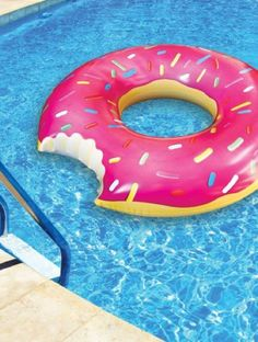 BigMouth Inc Gigantic Donut Pool Float Best Offer. Best price BigMouth Inc Gigantic Donut Pool Float, Strawberry Frosted with Sprinkles. The BigMouth Inc Gigantic Donut Float is THE ORIGINAL doughnut skim composed and Homer Simpson, Float Pool, Cool Pool Floats, Summer Pool, Summer Fun, Summer Snacks, Free Summer, Summer Beach, Donut Form