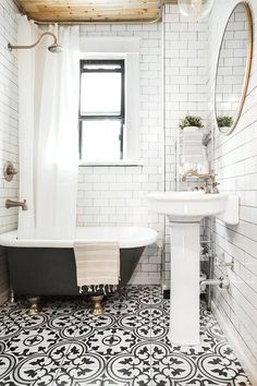 Luxurious Black And White Subway Tiles Bathroom Design - Page 16 of 42 Bathroom Tile Designs, Bathroom Floor Tiles, Bathroom Interior Design, Tile Floor, Bathroom Ideas, Bathroom Bin, Budget Bathroom, Bathroom Mold, Cozy Bathroom