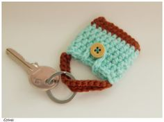 Tiny bag key ring, Green mint tote bag, Cute small gift, Summer present, Crochet wallet keychain, Miniature purse for dolls, Doll clothes