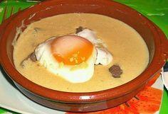 BIFE COM MOLHO À PORTUGÁLIA Ingredientes: 2 bifes de vitela 4 dentes de alho sal q pimenta q.b. margarina q.b. 1 copo e meio de leite meio gordo 1/2 chávena de café ( usei daquele de cevada) 1 c.de sobremesa de mostarda 1 c. de sobremesa de farinha 2 ovos Modo de preparo: Tempere os …
