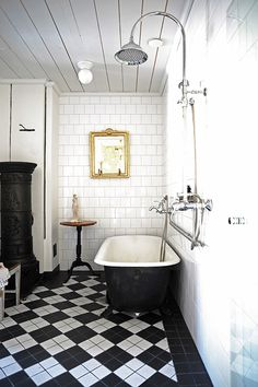 Mansion bathroom Interior design by Suunnittelutoimisto Kruunu. www.suunnittelutoimistokruunu.fi