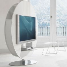 Bonaldo Vision TV Round unit designed by Gino Carollo is a project dedicated to #contemporary lifestyles, where technology plays a decidedly significant role.