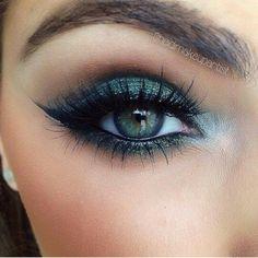 Green eye make-up, green eyeshadow, makeup for green eyes #makeup #eyesmakeup #greeneyeshadows